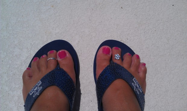 My favorite flip flops and toe rings